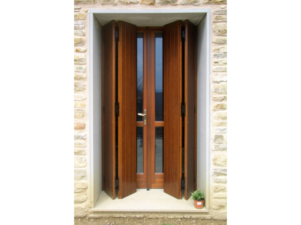 Scuri in legno per finestre novit mottura serrature per - Antine in legno leroy merlin ...